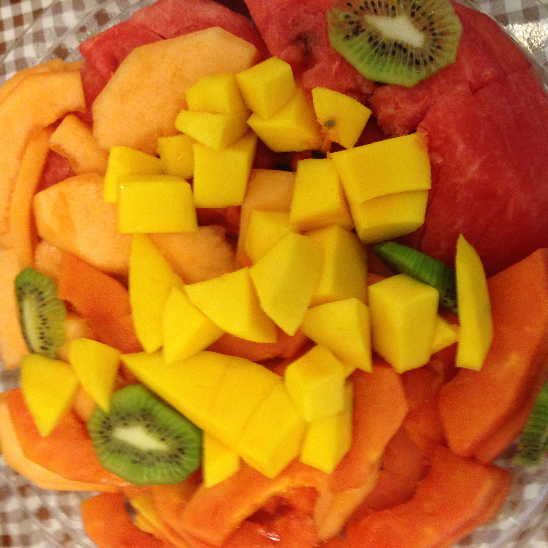 Fresh Fruit Platter - Mango, Papaya, Kiwi, Cantaloupe, Watermelon