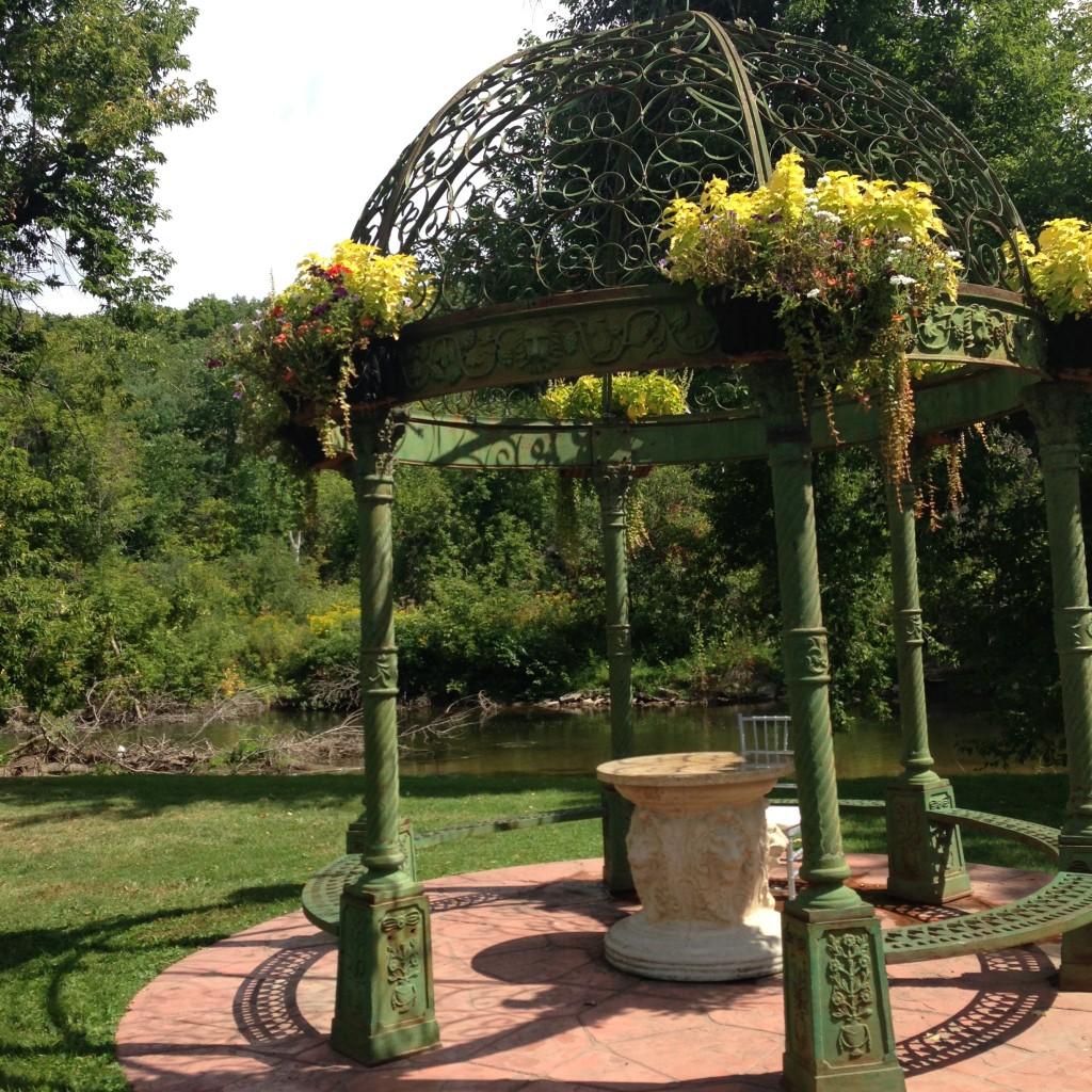 Terracotta Inn garden