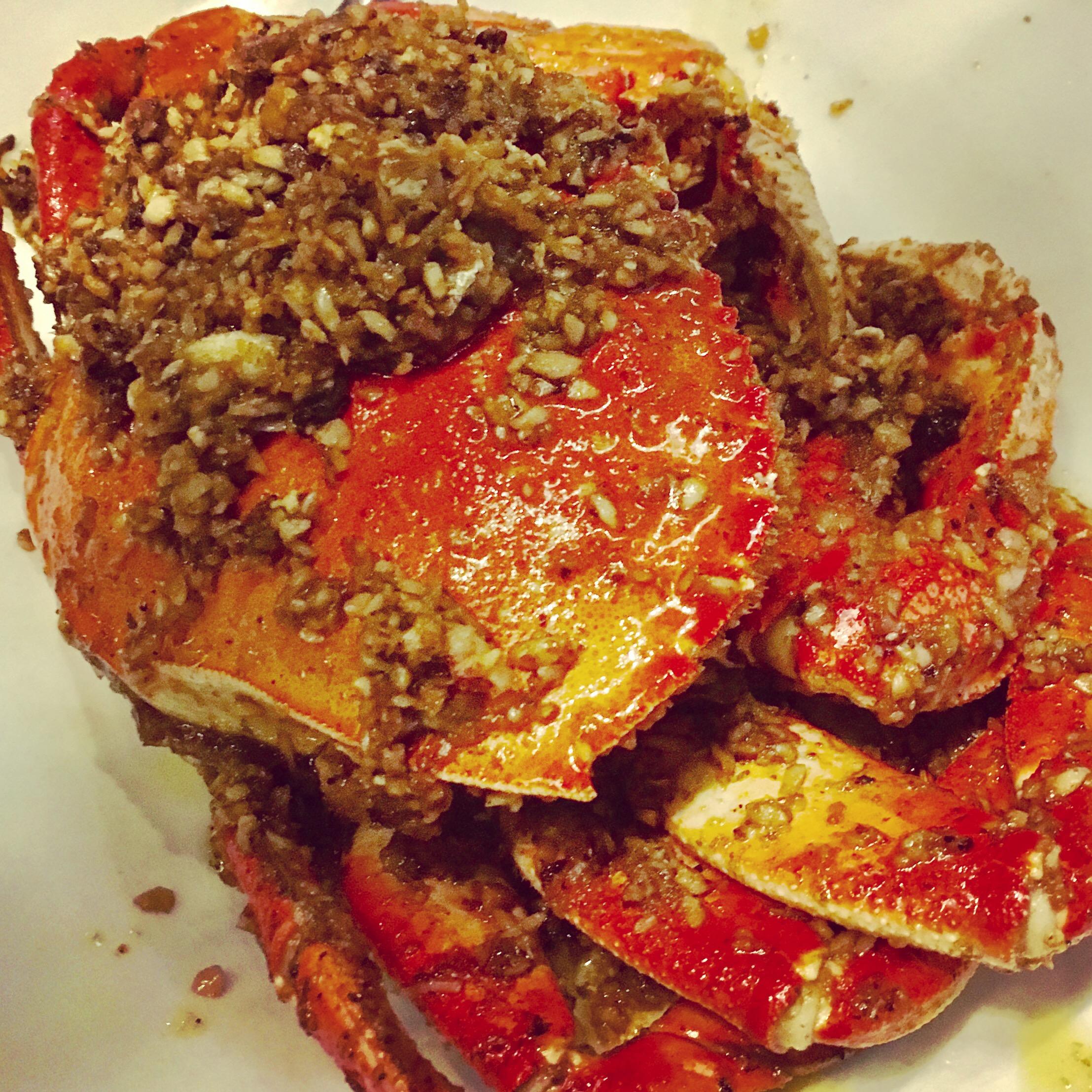 Drunken Crab with Garlic Butter