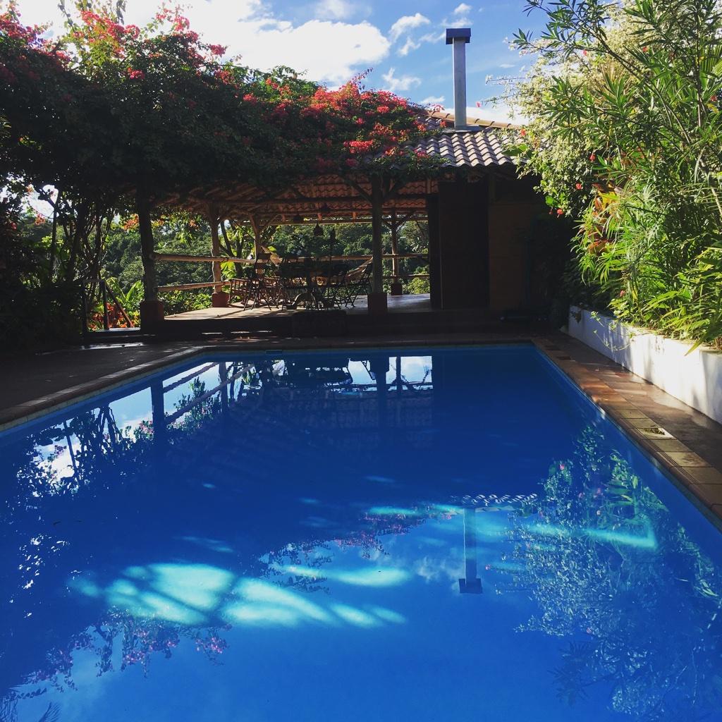 Poolside Eden Atenas
